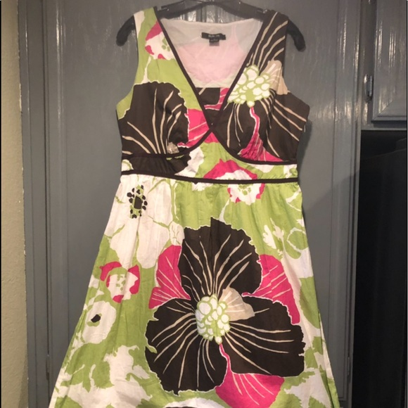 Style & Co Dresses & Skirts - Style & Co V Neck Dress 100% Cotton Multi-Color
